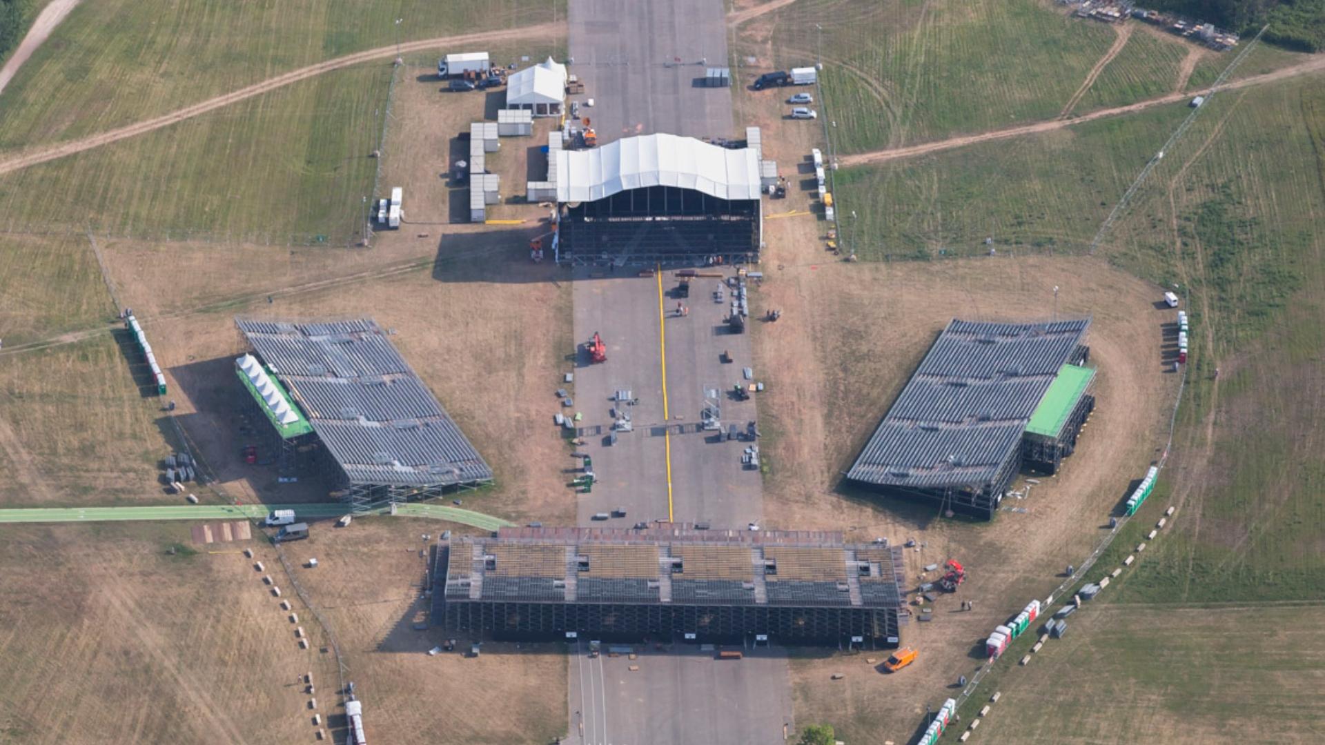 Location de tribunes exterieures pour concerts et festivales