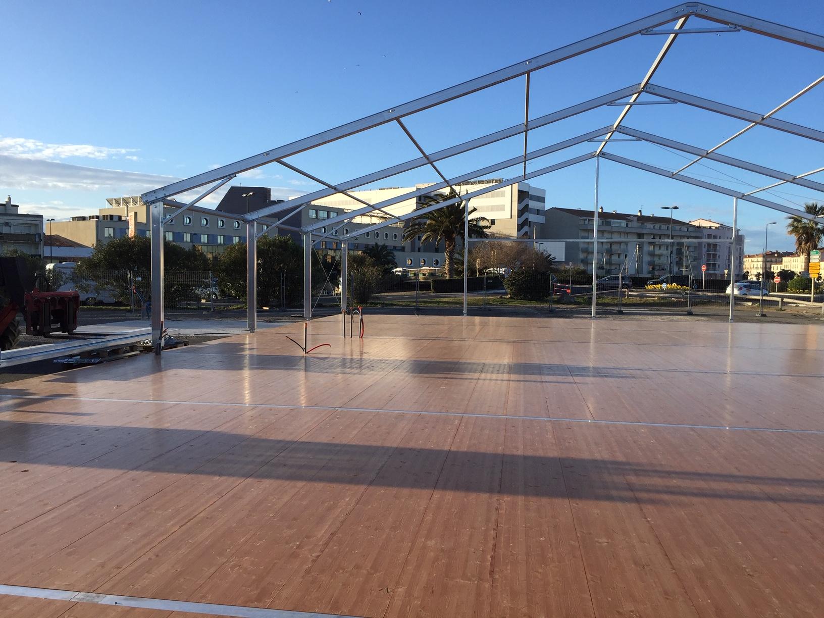 SML - Construction d'une salle polyvalente temporaire - plancher auto porte