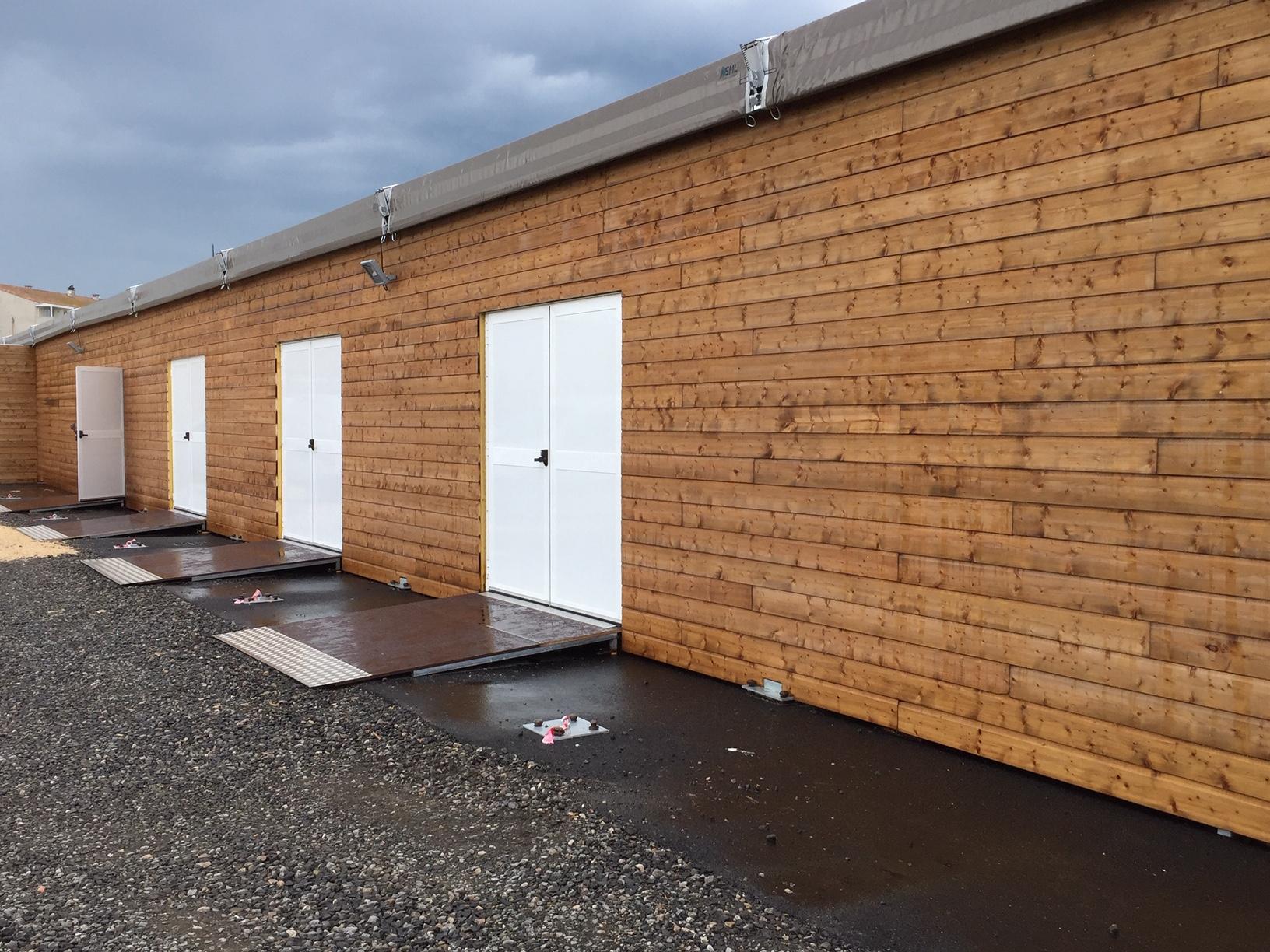 SML - Construction d'une salle polyvalente temporaire - portes et rampes PMR