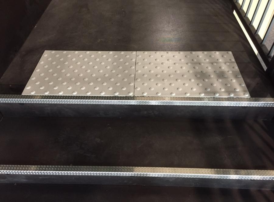 SML- creation de gradin interieur pour salle polyvalente