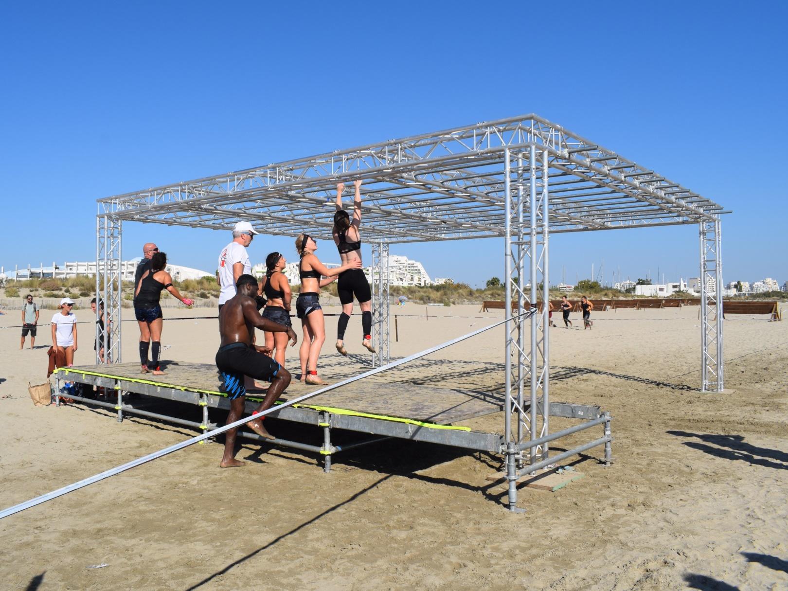 SML - montage d'ateliers sport en modula et grill scenique